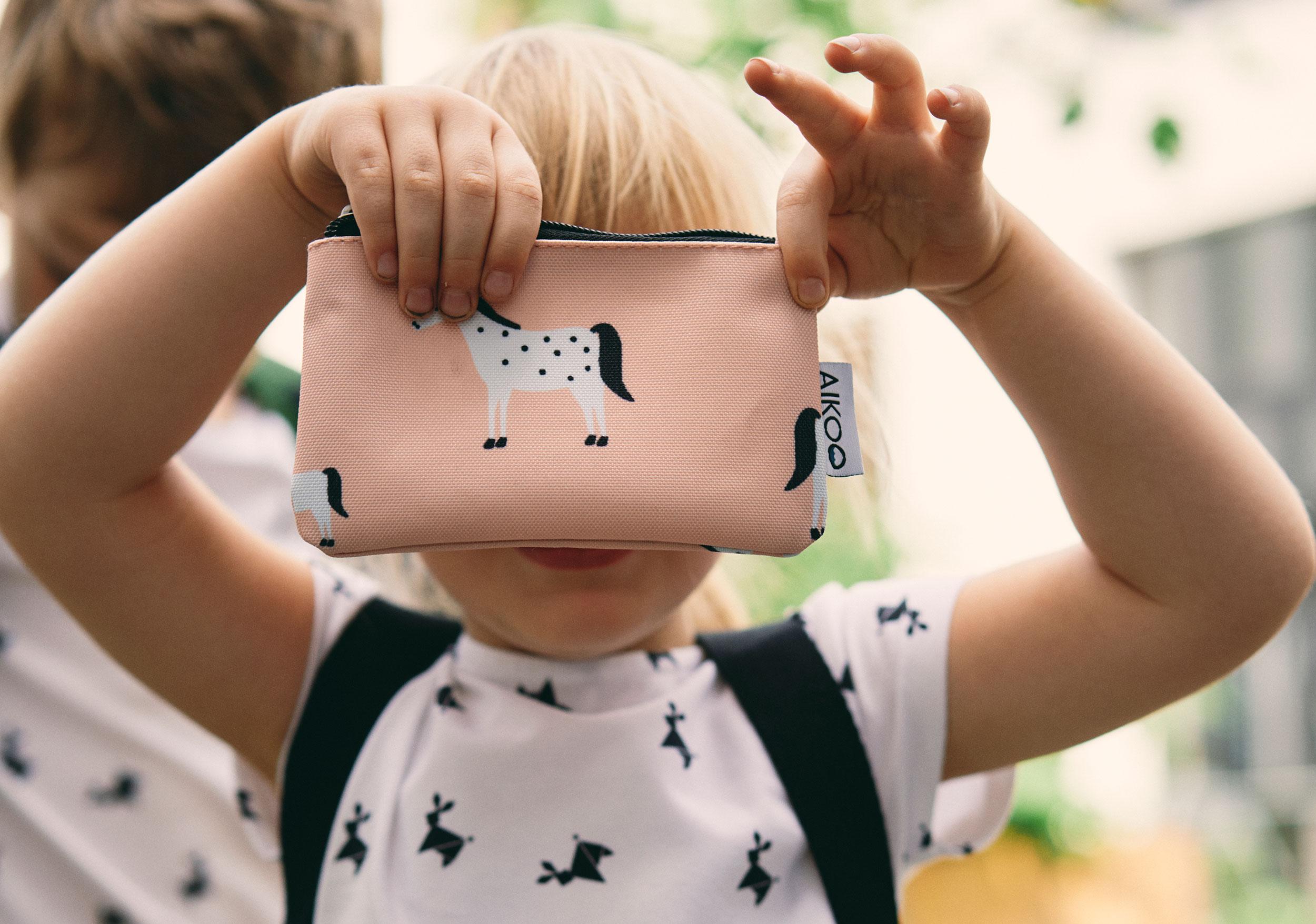 Aikoo girl pink bag