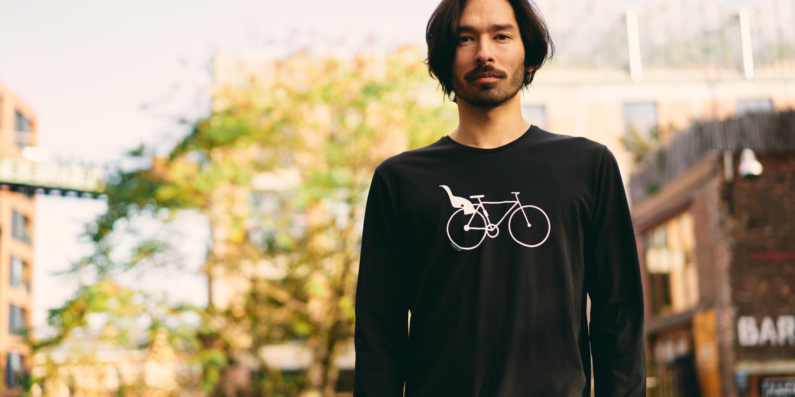Munoman AW20 – black shirt dadbike
